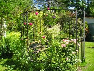 Ma maison au naturel un coin romantique dans votre jardin - Petit jardin romantique tours ...