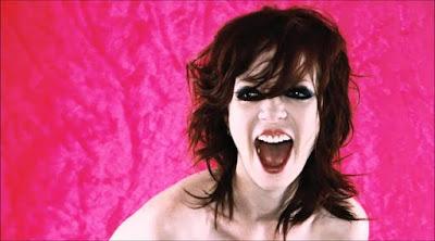 امرأة فتاة مجنونه تصرخ مصدومة معتوهة فتاة بنت woman girl yelling woman shouting crazy lunatic creepy