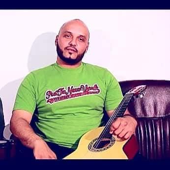 """"""" الفنان الليبي الشاب علي """" قريبا على القنوات الفضائية الليبية ومواقع عالمية واليوتيوب في اغنية ياريت"""
