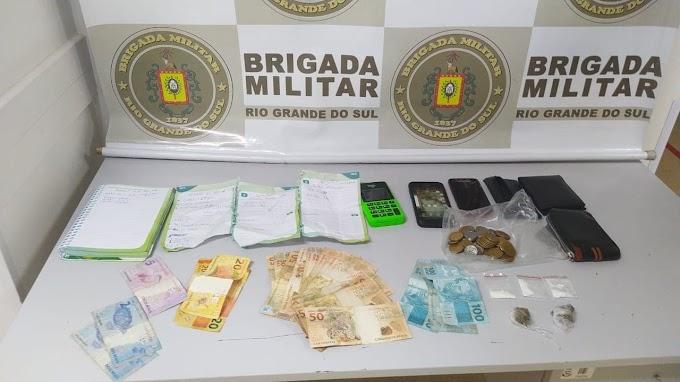 GRAVATAÍ | Dupla é presa por tráfico de drogas na Morada do Vale