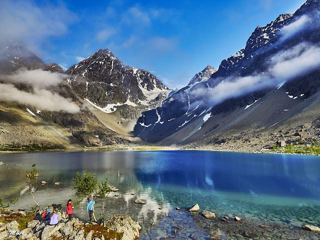 Blåisvatnet o Lago Azul - Alpes Lyngen por El Guisante Verde Project