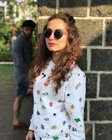 Lavina Tandon Sebagai pemeran Sweety Dabindar Singh Chaudhary