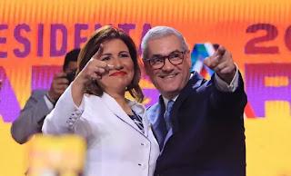 Candidato presidencial Gonzalo Castillo anuncia a Margarita Cedeño como su compañera de boleta