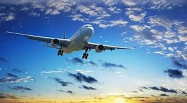 حجز الطيران والفنادق علي الانترنت