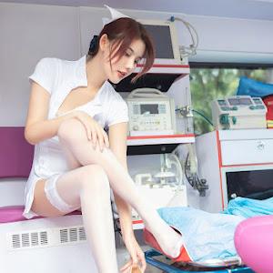 Nữ y tá sexy 05