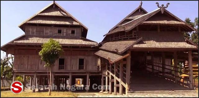 Foto Desain Rumah Adat Panggung NTB