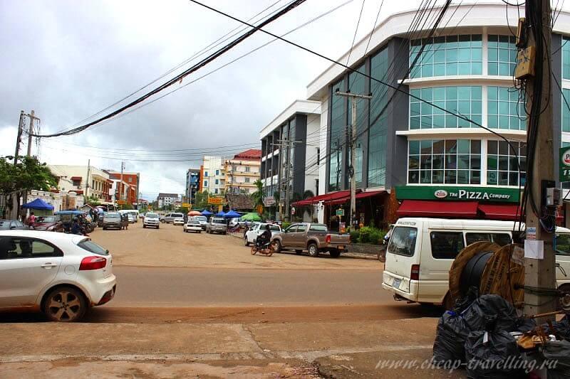 Перекрёсток в Лаосе