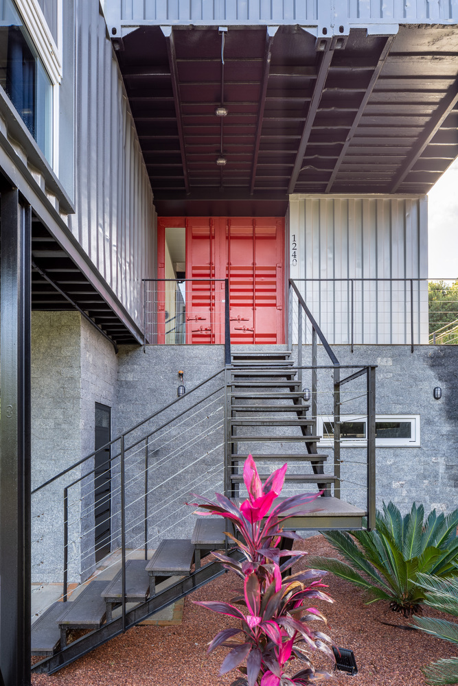 Casa Conteiner RD - 350 sqm Two Story Shipping Container Home, Brazil 24
