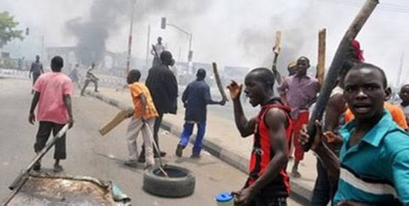 Suspected thugs destroy senator's campaign buses in Ogun state