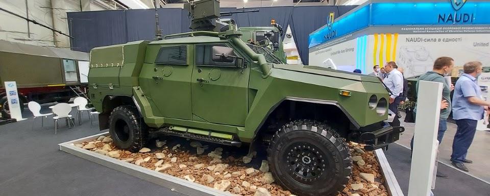 Новатори з ударним БПЛА та бойовим модулем