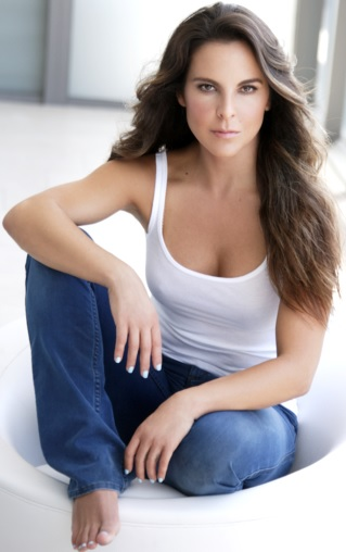 Foto de Kate del Castillo con cabello suelto