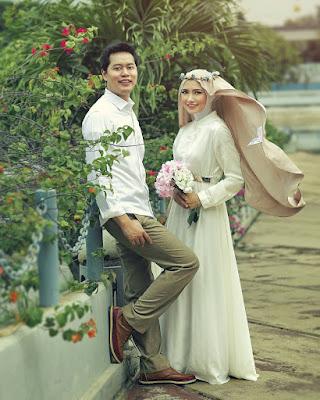 Foto Prewedding Muslim Romantis Nusagates