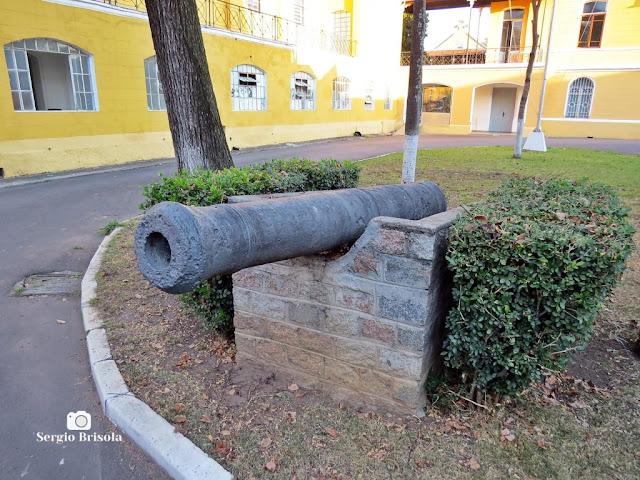 Close-up de Canhão antigo do Museu da Polícia Militar de São Paulo - Luz - São Paulo
