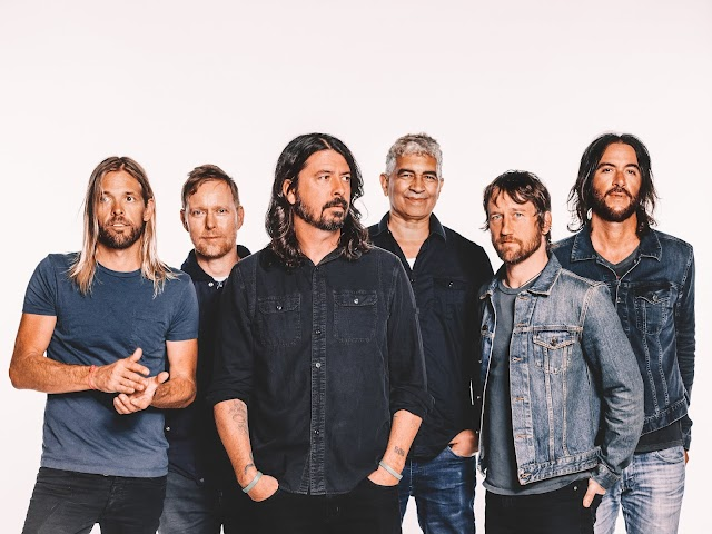 Foo Fighters toca música de Red Hot Chili Peppers e deve lançar novo álbum em 2020
