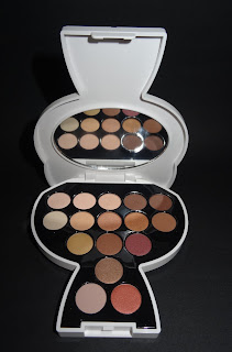 Karl Lagerfeld  + ModelCo Choupette Collectable Eyeshadow Palette Day To Night
