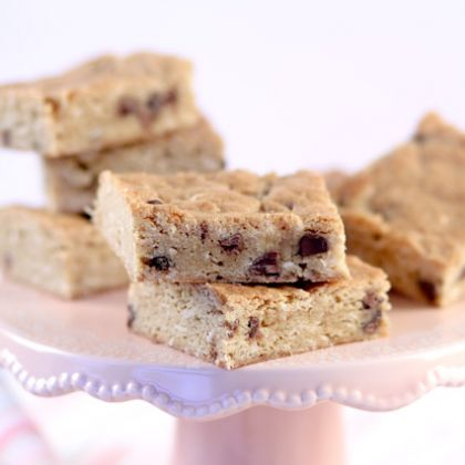 Chocolate Chip Coconut Blonde Brownies