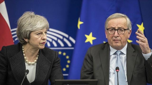 """May asegura cambios """"legalmente vinculantes"""" en su acuerdo sobre el Brexit un día antes del voto en el Parlamento"""