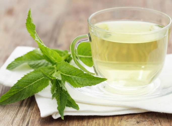 Benefits of peppermint tea before bedtime for diet and skin