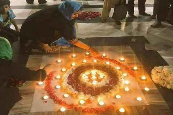 diwali-festival-celebrated-in-nizamuddin-dargah-news-delhi