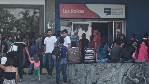 Éxodo sin fin: la odisea de conseguir un pasaporte en Venezuela