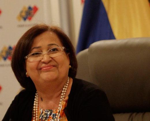 """Tibisay Lucena rechazó """"agresiones y amenazas"""" al Poder Electoral"""