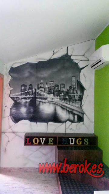 Pintura mural de pared rota con ciudad