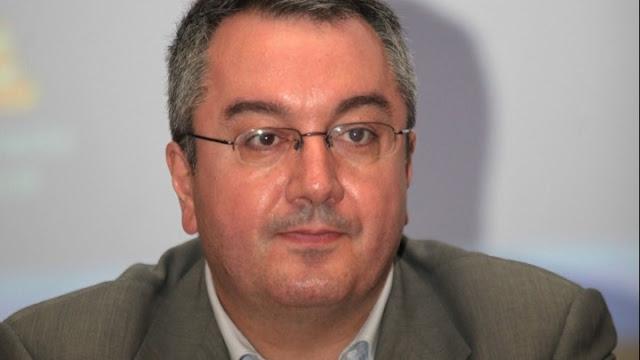 Ο Η. Μόσιαλος για τη διασωλήνωση του αν. διοικητή τoυ Θριασίου - Τα δύο σενάρια για την επιδείνωση της υγείας του