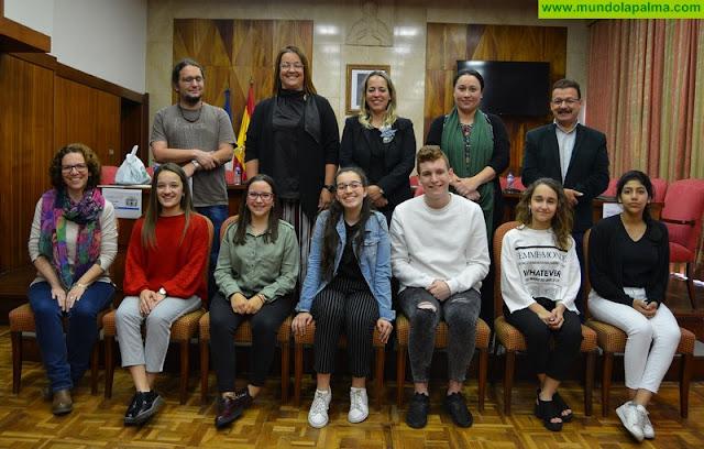 Un grupo de 3º de la ESO del IES Luis Cobiella Cuevas representará a La Palma en la fase regional del II Concurso de Debate Escolar