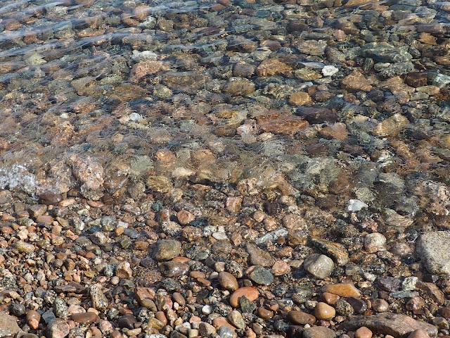 Пляж озера Байкал (Между Листвянкой и Большими Котами)