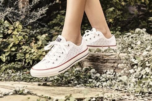 5 mẫu giày sneaker nữ cá tính nữ đẹp dành cho xuân-hè 20116
