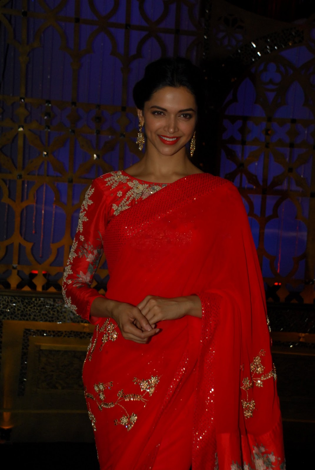 Deepika Padukone Photos In Designer Red Saree