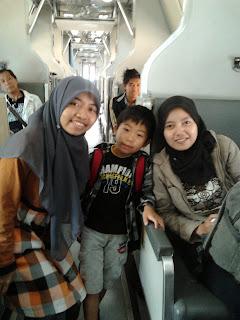 "<a href=""url gambar""><img alt=""kereta train sleeper class Penang Butterworth Malaysia Bangkok Thailand"" src=""urlgambar"" title=""kereta train sleeper class penang butterworth malaysia bangkok thailand"" />"
