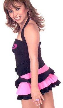 Foto de Anita Santivañez con ropa juvenil