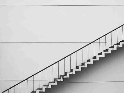 هل صعود الدرج يؤثر على الحامل
