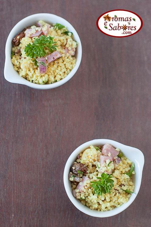Salada de couscous marroquino com frutas secas