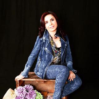 Escritora Claudia E. Saquicela Novillo