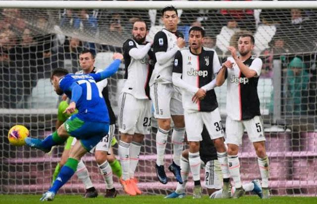 Video Juventus 2-2 Sassuolo: Ronaldo ghi bàn 11m, rượt đuổi 4 bàn kịch tính
