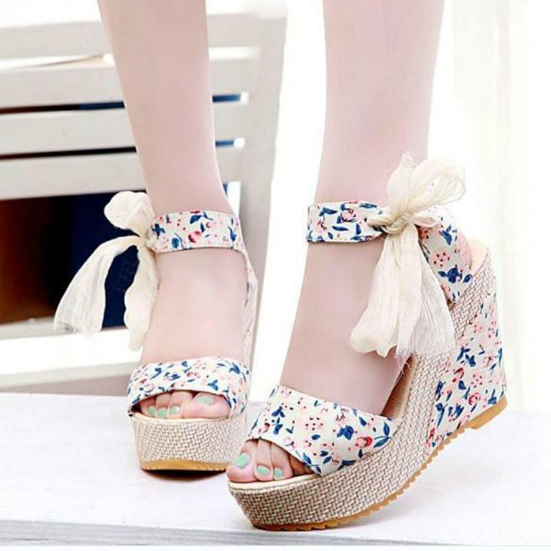 1afc94366 كيف تختاري الحذاء المناسب حسب شكل القدم