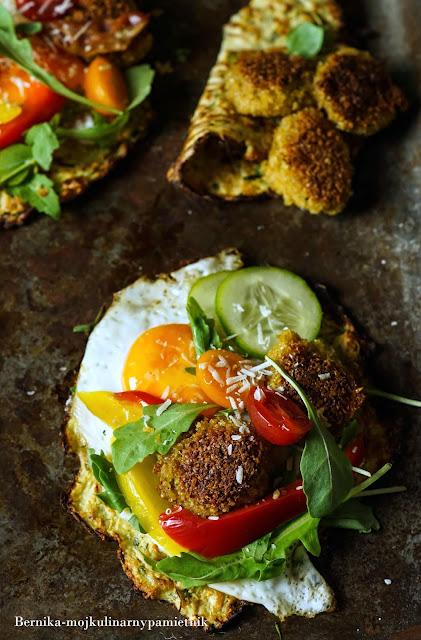 cukinia, placki, falafel, bernika, wegetarianskie, kulinarny pamietnik, jajka, kolacja, sniadanie