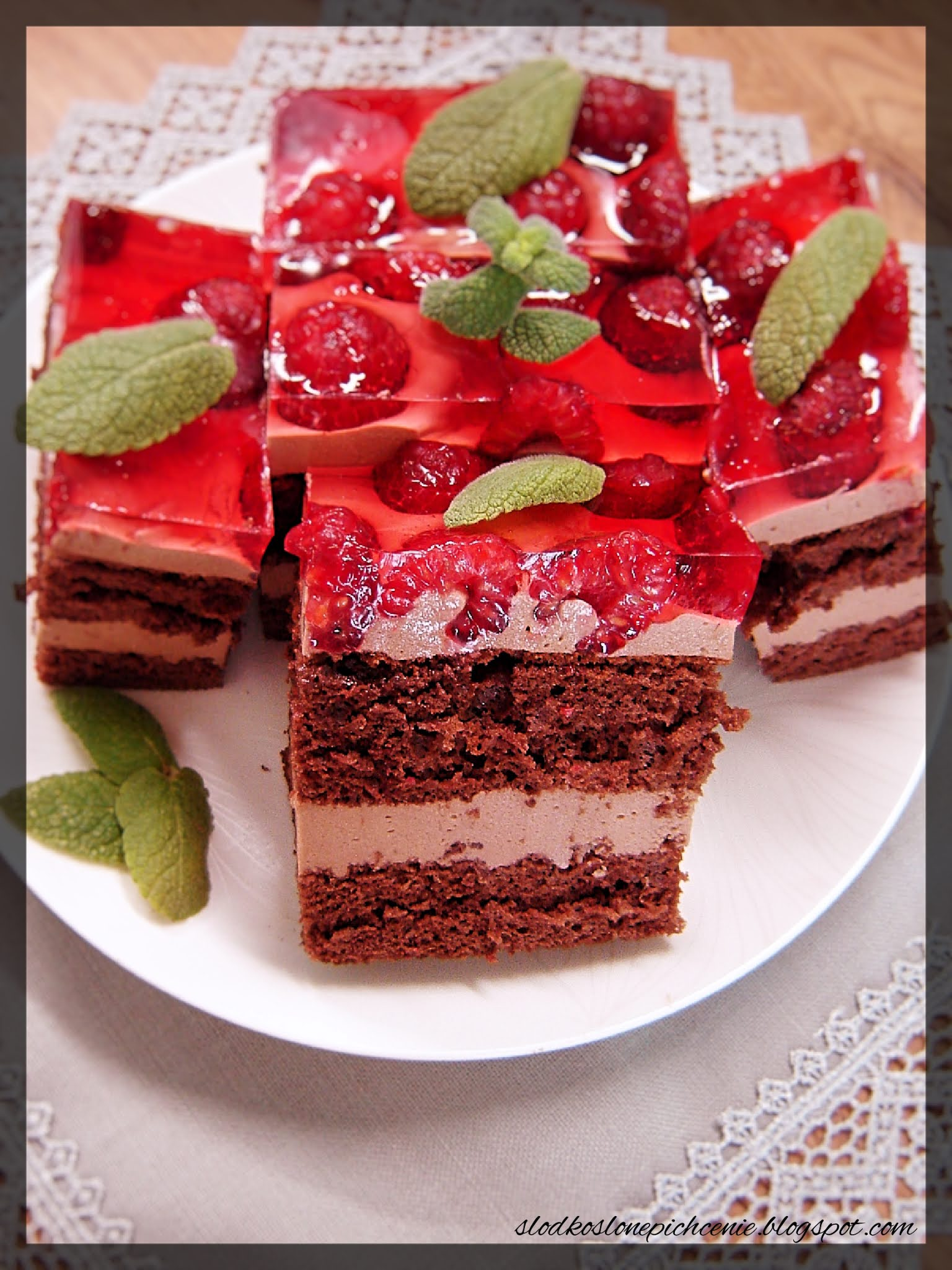 Ciasto czekoladowe z malinami i Nutellą
