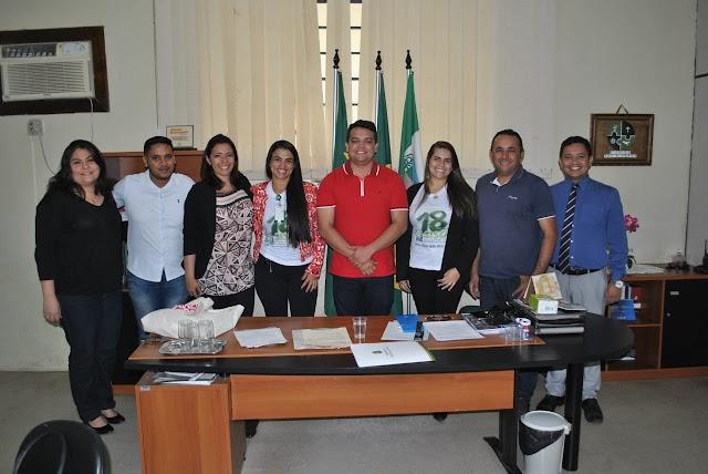 Santana do Cariri -Prefeito discute com representantes do Governo do Estado Sistema de abastecimento de água do Distrito Anjinhos