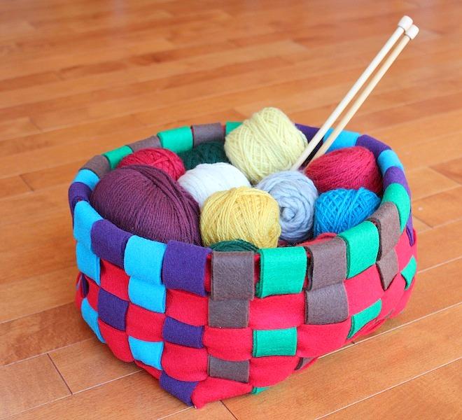 Felt Storage Basket Free Pattern & Tutorial