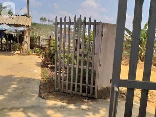 T tự mở cổng vào nhà nạn nhân