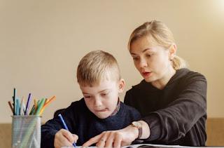 8 Simple Tips Mengajari Anak Anda Membaca