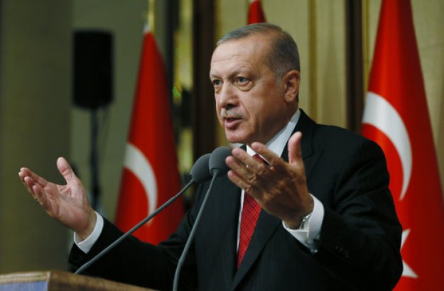 Ερντογάν σε Τούρκους: Μετατρέψτε δολάρια και ευρώ σε λίρες - Δεν θα χάσουμε τον οικονομικό πόλεμο