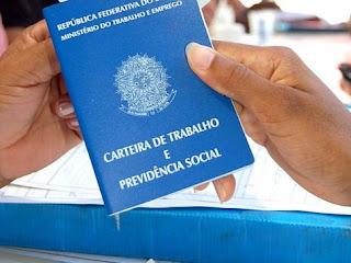 Reforma trabalhista proposta pela gestão Temer prevê redução de férias e 13º salário