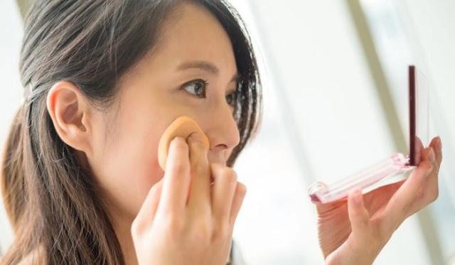 Langkah 5 Makeup - Memakai Bedak