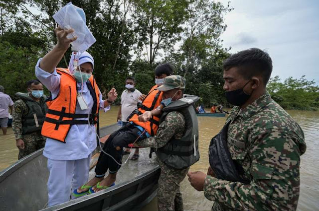 Six dead, nearly 50,000 evacuated due to flooding in Malaysia