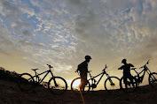 Bersepeda Menyusuri Bukit Korea di Lombok
