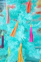 http://www.akailochiclife.com/2015/11/decorate-it-two-tassel-trees.html